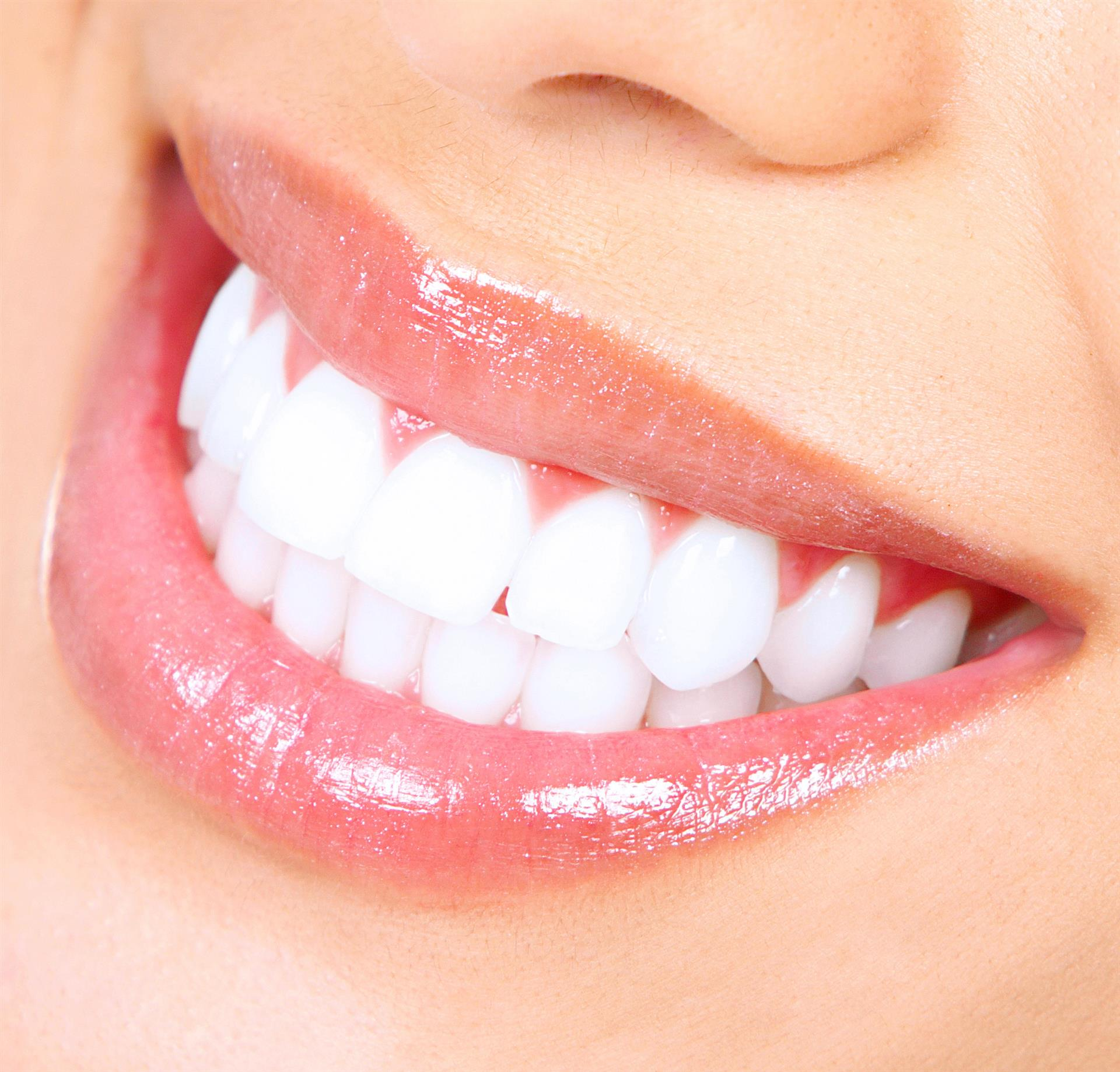 Segredos de limpeza e branqueamento dental que você precisar saber